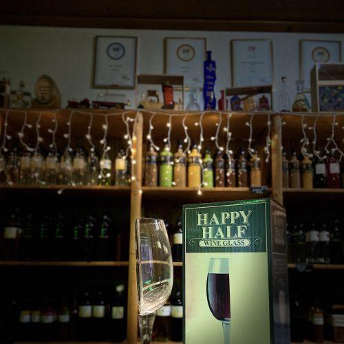 halbes Weinglas